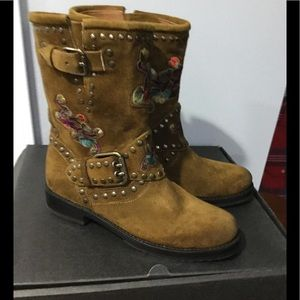 NWT Frye Nat Flower Engineer Boots